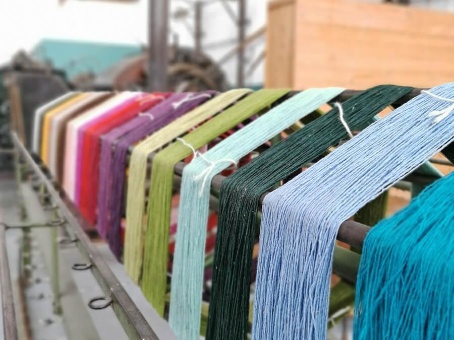 tradizione-portoghese-burel-factory-fili-lana-colorata